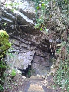 El Pendo Cave, Escobedo
