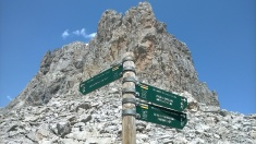 Route options below Peña Olvidada